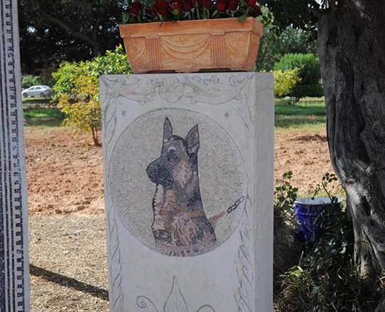 Tunisi, un mosaico per il cane poliziotto Akil al Museo del Bardo