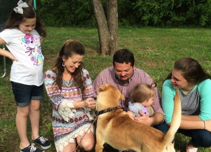 Visitano il canile e ci trovano il cane perduto due anni prima