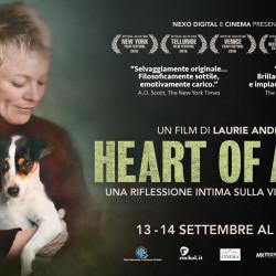 """Laurie Anderson a Milano presenta il suo """"Heart of a Dog"""": e i cinema aprono ai quattro zampe"""