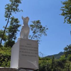 A Vagli collocata la statua in marmo per Diesel