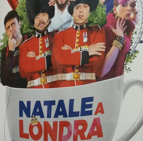 """I Corgis di Queen Elizabeth nel """"Natale a Londra"""" con Lillo e Greg"""
