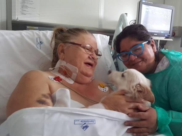 Il cane Conan in terapia intensiva per visitare la sua Luciana
