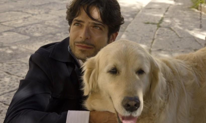 """Tomak, l'attore con la coda protagonista della fiction """"Italo"""". Da vedere o rivedere su RaiPlay"""