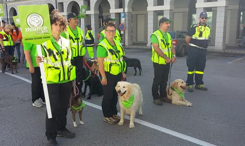 Cani che salvano vite, successo per la festa tutta per loro