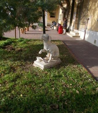 Stregati in un Lampo: statua, musica e letteratura per il cane viaggiatore di Campiglia