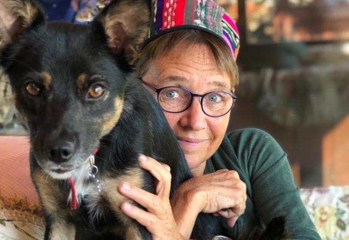 Un boccone avvelenato si è mangiato Pimpi: triste fine per la cagnolina di Susanna Tamaro